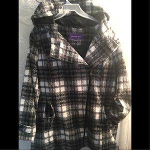 Madden Girl Black & White Plaid Coat